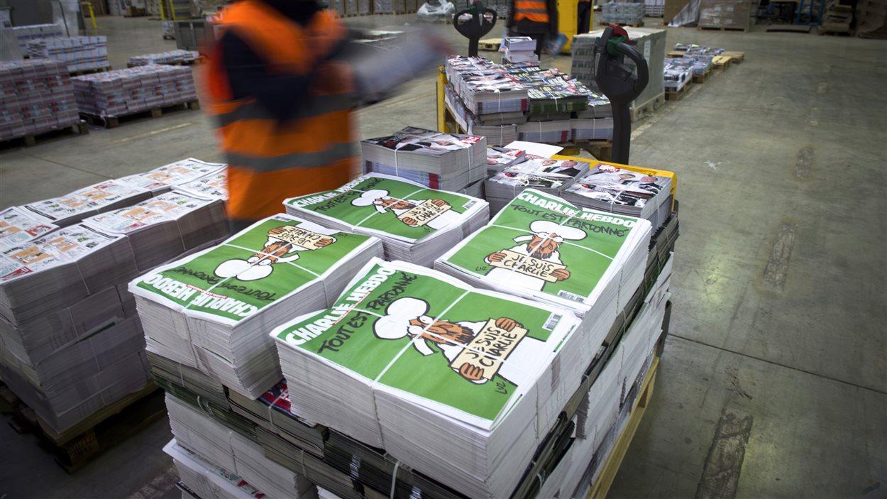 Des exemplaires du premier « Charlie Hebdo » après l'attentat du 7 janvier.