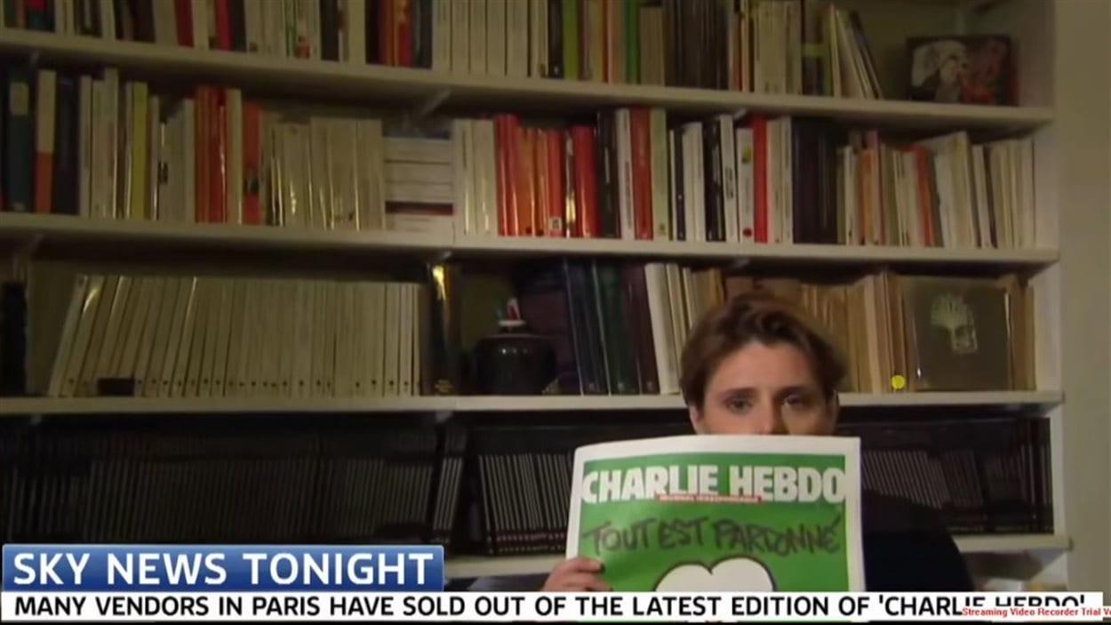 Caroline Fourest a tenté d'exhiber la couverture du dernier Charlie Hebdo en direct sur Sky News.