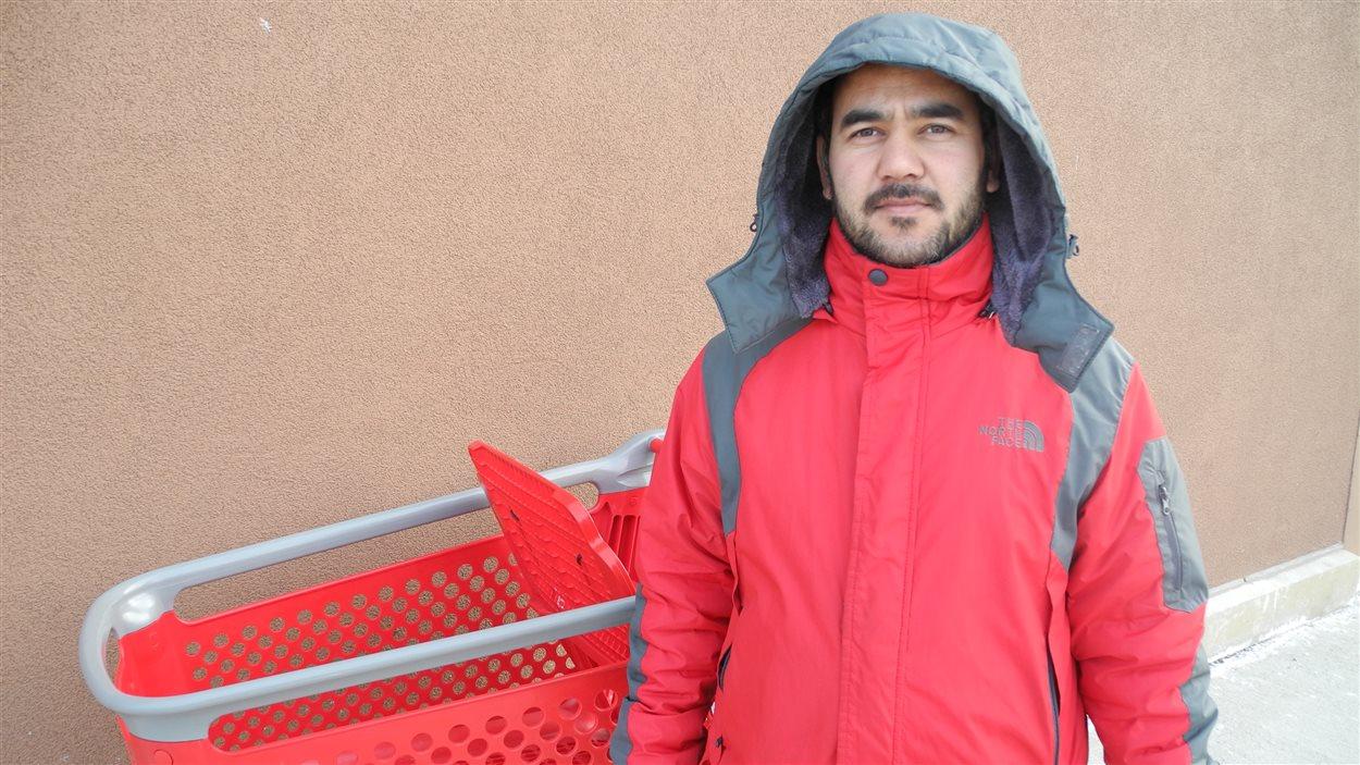 «C'est une bien mauvaise nouvelle. J'achetais beaucoup de choses ici, comme c'est proche de chez moi.» - Zabiullah Abdulrauf