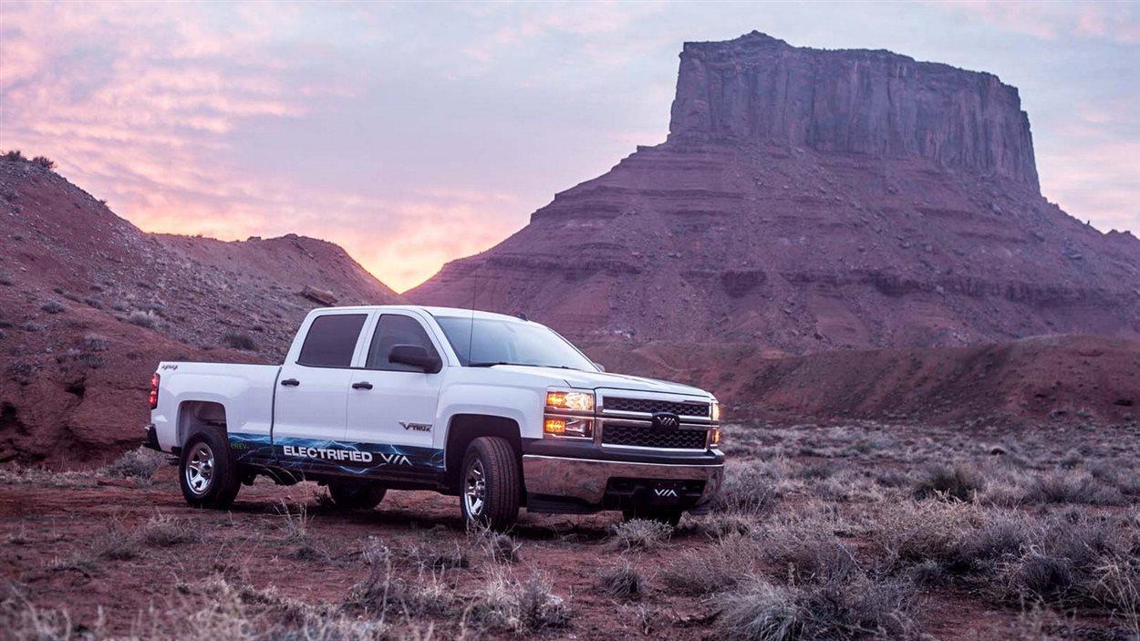 La société Via Motors a annoncé au salon de Detroit le lancement de la production du premier pick-up électrique au monde. La Chevrolet Silverado VIA Electrified 4×4