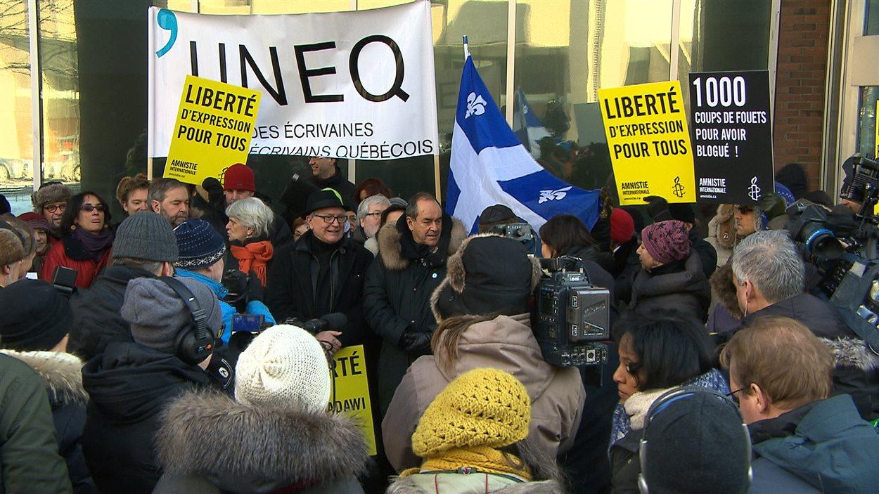 Manifestation de soutien à Raïf Badawi à Montréal