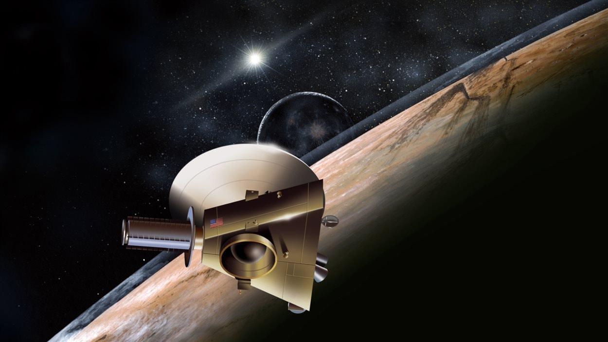 Représentation de la Nasa de New Horizons près de Pluton et sa lune, Charon, derrière.
