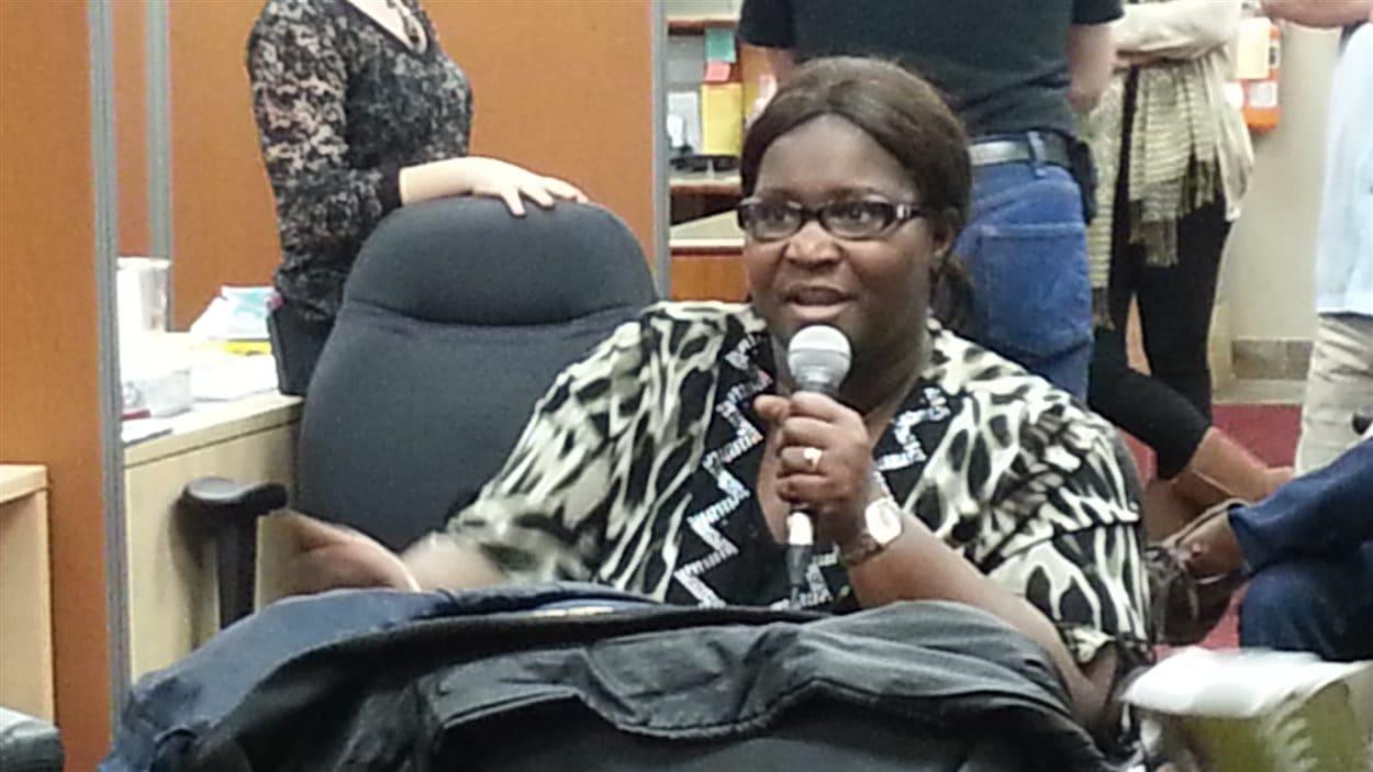 Une participante se prononce sur le manque d'accès aux garderies francophones.