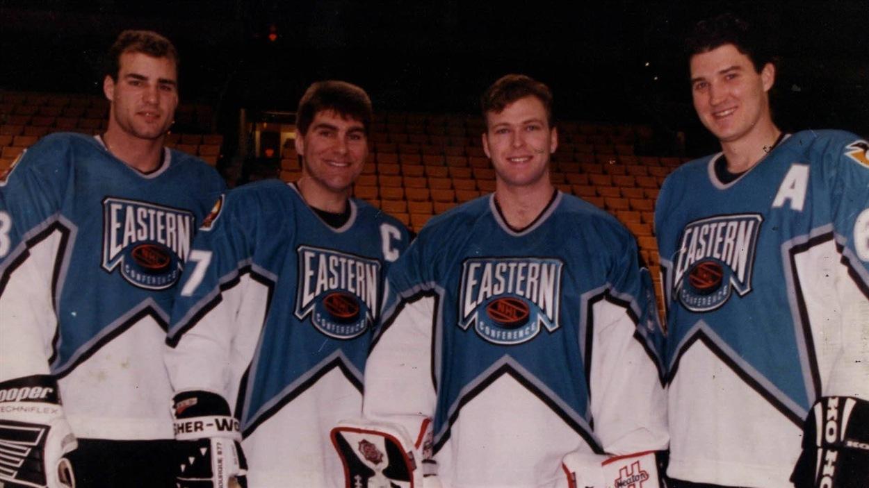Eric Lindros, Raymond Bourque, Martin Brodeur et Mario Lemieux au match des étoiles de 1996
