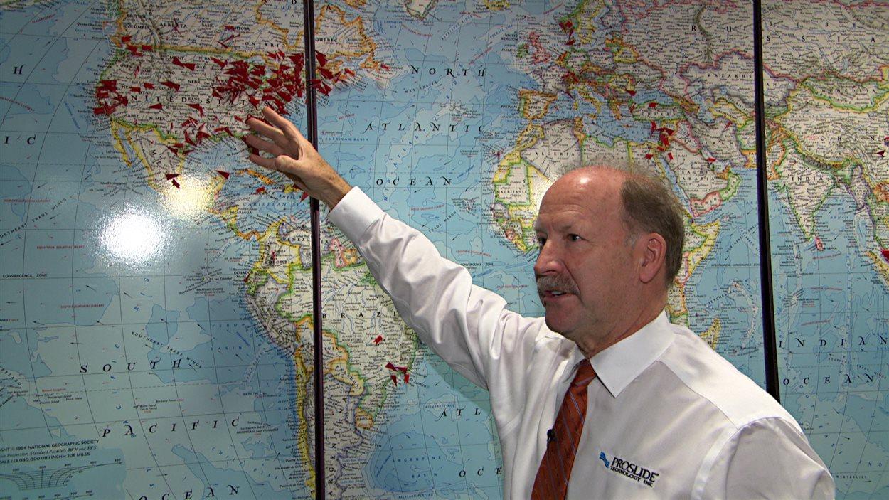 L'homme d'affaires, Rick Hunter, a voyagé dans le monde entier dans le cadre de ses activités liées aux glissades d'eau.