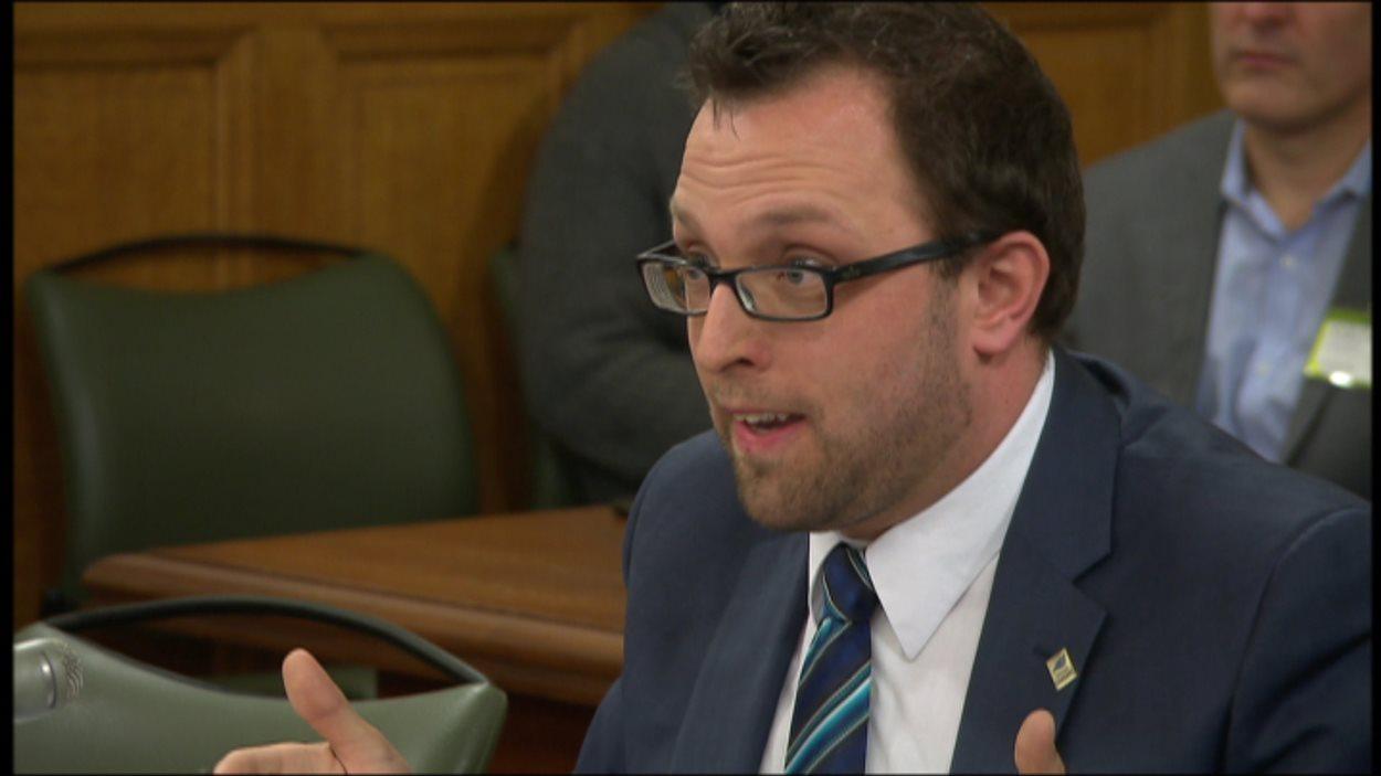 Le maire de Gaspé, Daniel Côté à la Commission sur le projet de loi 28
