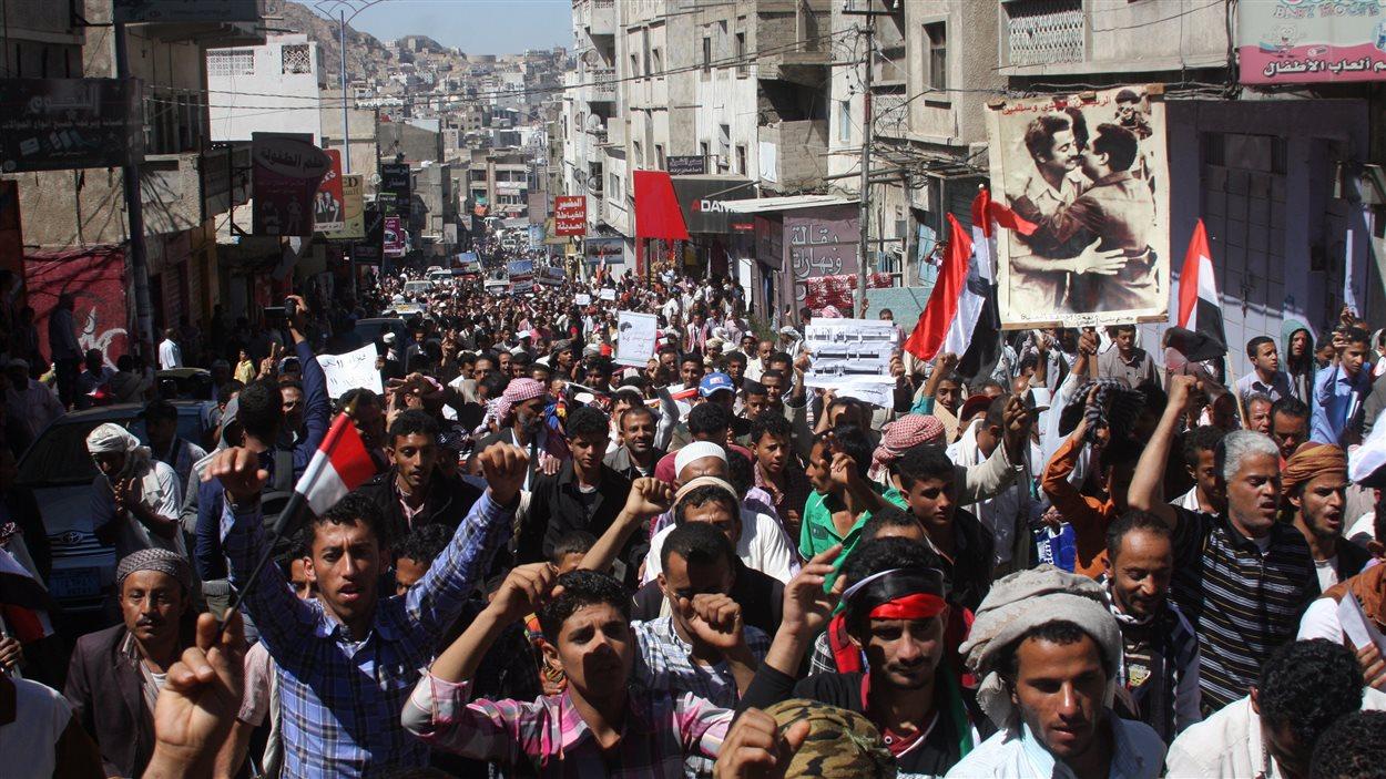 Les manifestations se multiplient depuis l'annonce par les rebelles houthis du contrôle du pouvoir.