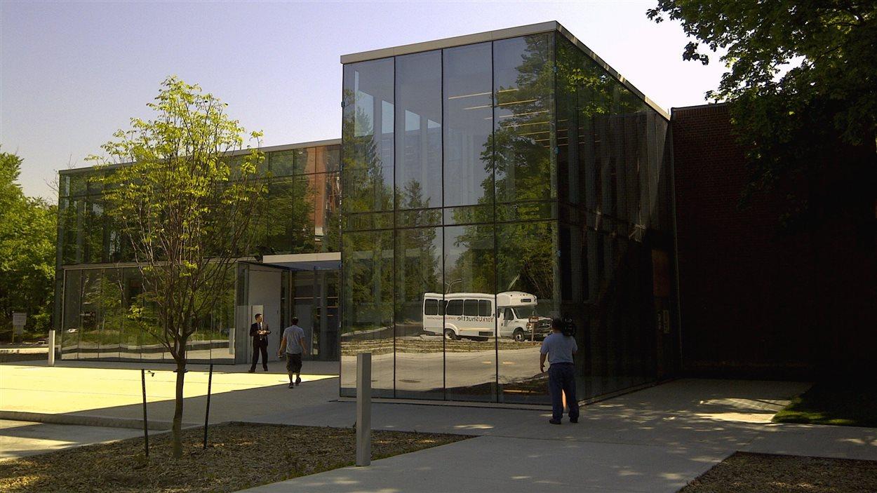 Le RÉFO craint que des universités comme le Collège Glendon restent toujours associées à une université anglophone, dans ce cas-ci l'Université York.