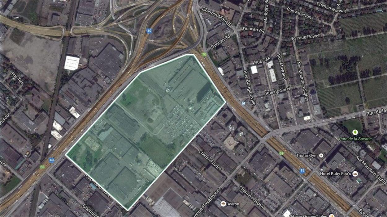 Secteur visé par le projet de centre-commercial à l'angle de l'autoroute Décarie et de la Métropolitaine dans Ville Mont-Royal