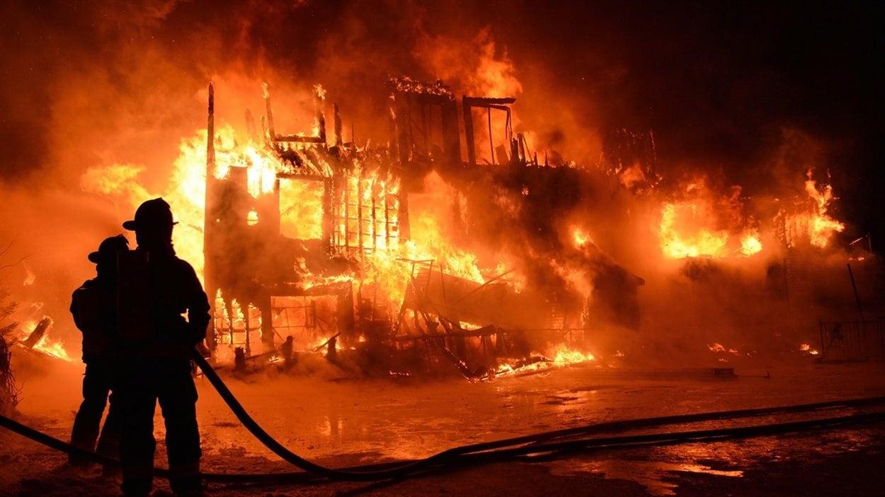 Dans la nuit du 23 janvier 2014, un incendie majeur ravage la Résidence du Havre de L'Isle-Verte, près de Rivière-du-Loup, faisant 32 morts.