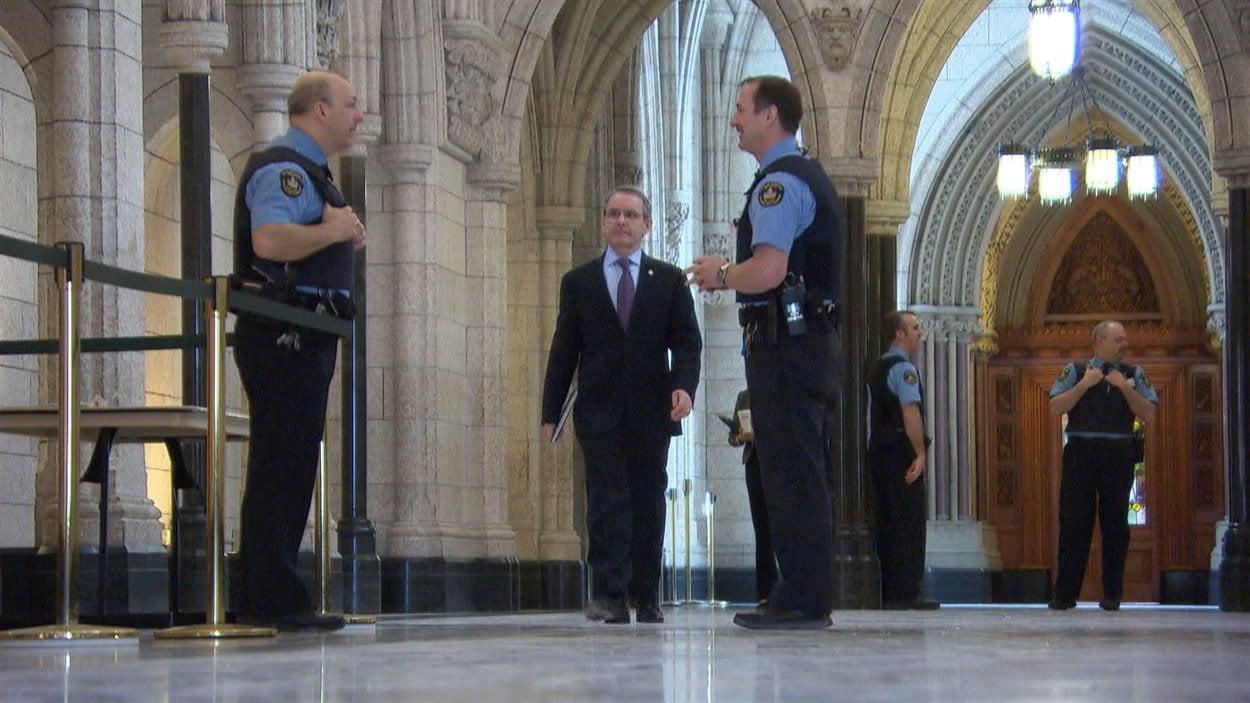 Des changements majeurs entourant la sécurité du parlement seront débattus prochainement.