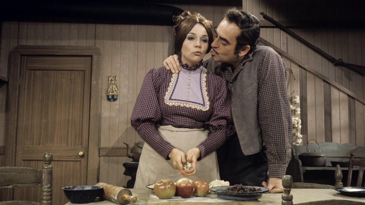 Artémise Baltour-Labranche (Andrée Boucher) et Alexis Labranche (Guy Provost) dans le célèbre téléroman «Les belles histoires des pays» en 1968.