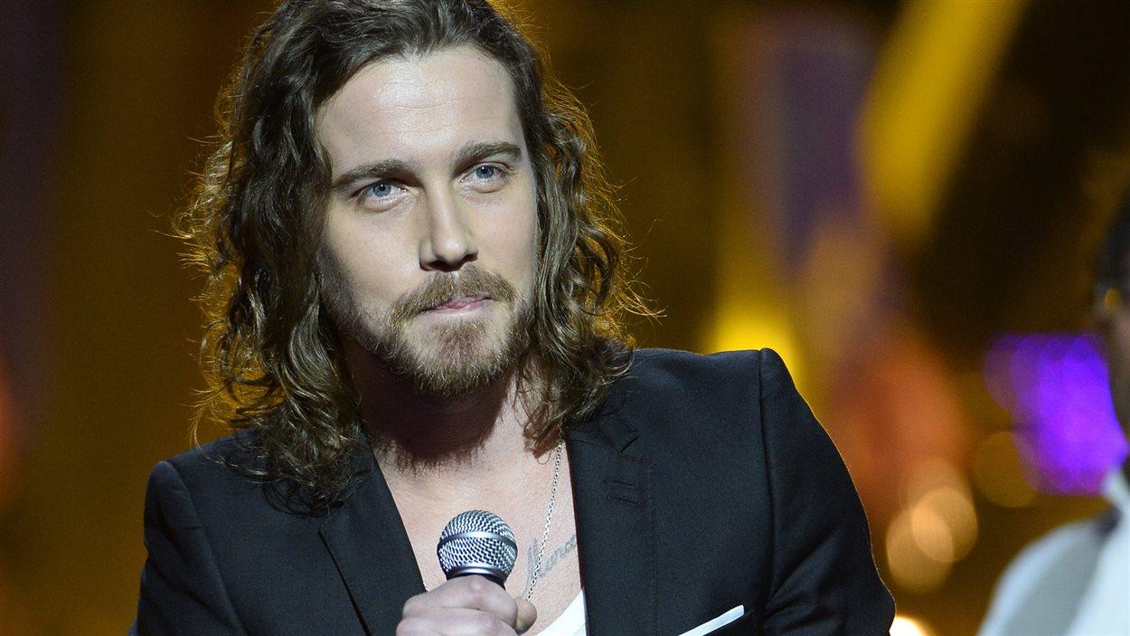 Le chanteur Julien Dore