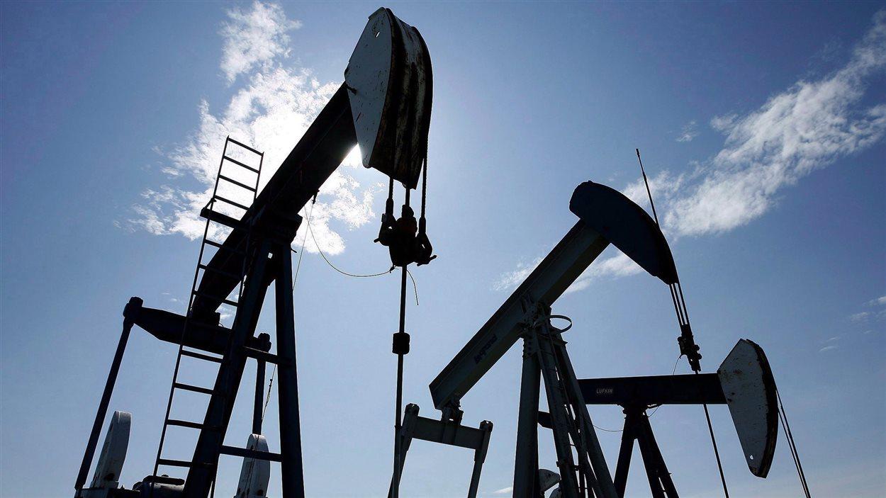 Des puits de pétrole en Alberta