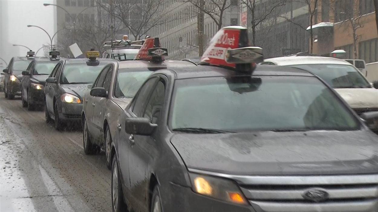 Les chauffeurs de taxi déplorent la compétition illégale de Uber-X.