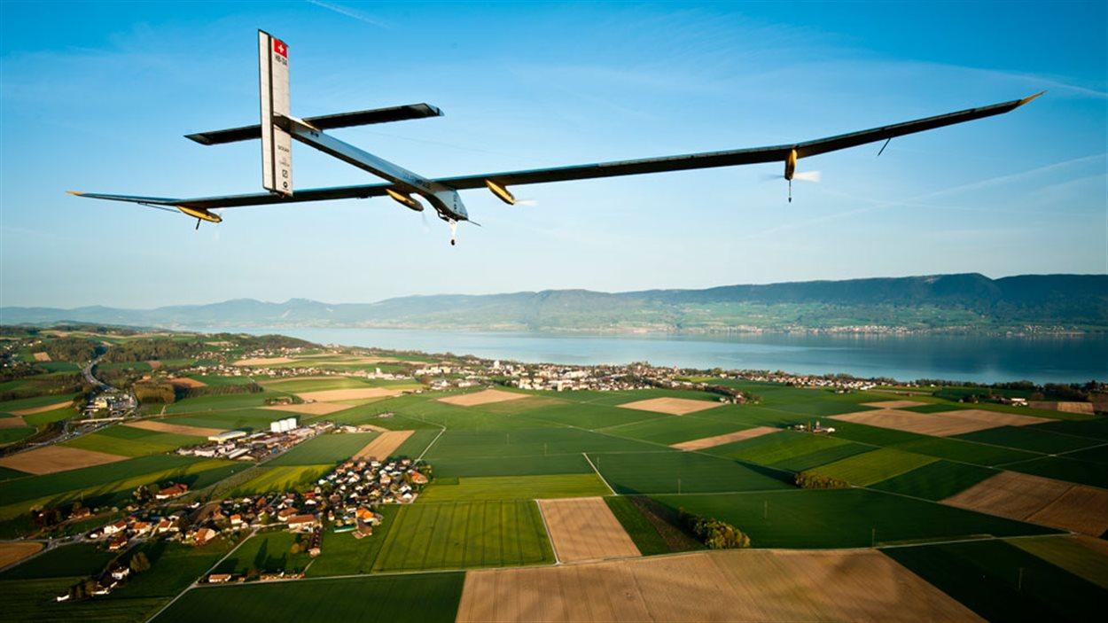 Tapissé de 17 000 cellules photovoltaïques, le Solar Impulse jouit d'une exceptionnelle efficacité énergétique.