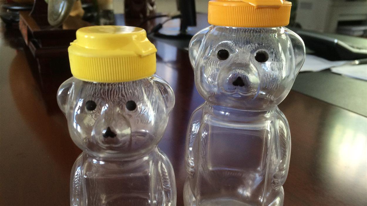 Bouteilles en forme d'ourson
