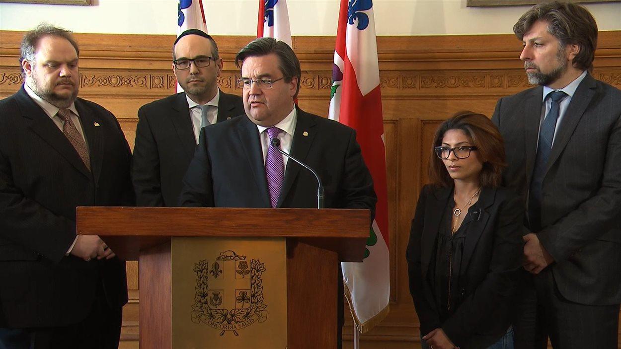 Les élus de Montréal veulent adopter une motion pour qu'Ottawa intervienne auprès de l'Arabie saoudite afin d'obtenir la libération du blogueur Raïf Badawi.