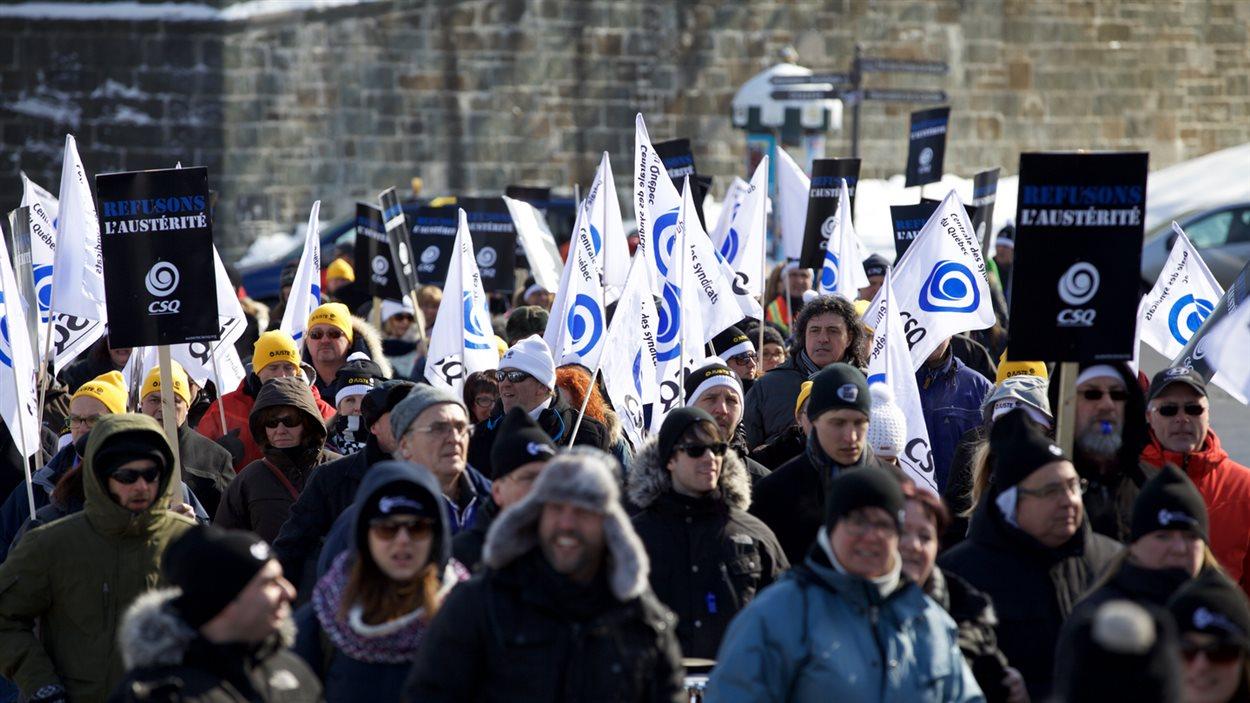 Les délégués ont manifesté sur la colline Parlementaire.