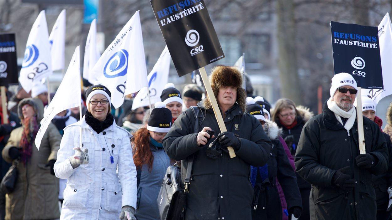 Quelque 200 manifestants de la CSQ ont pris part au défilé.