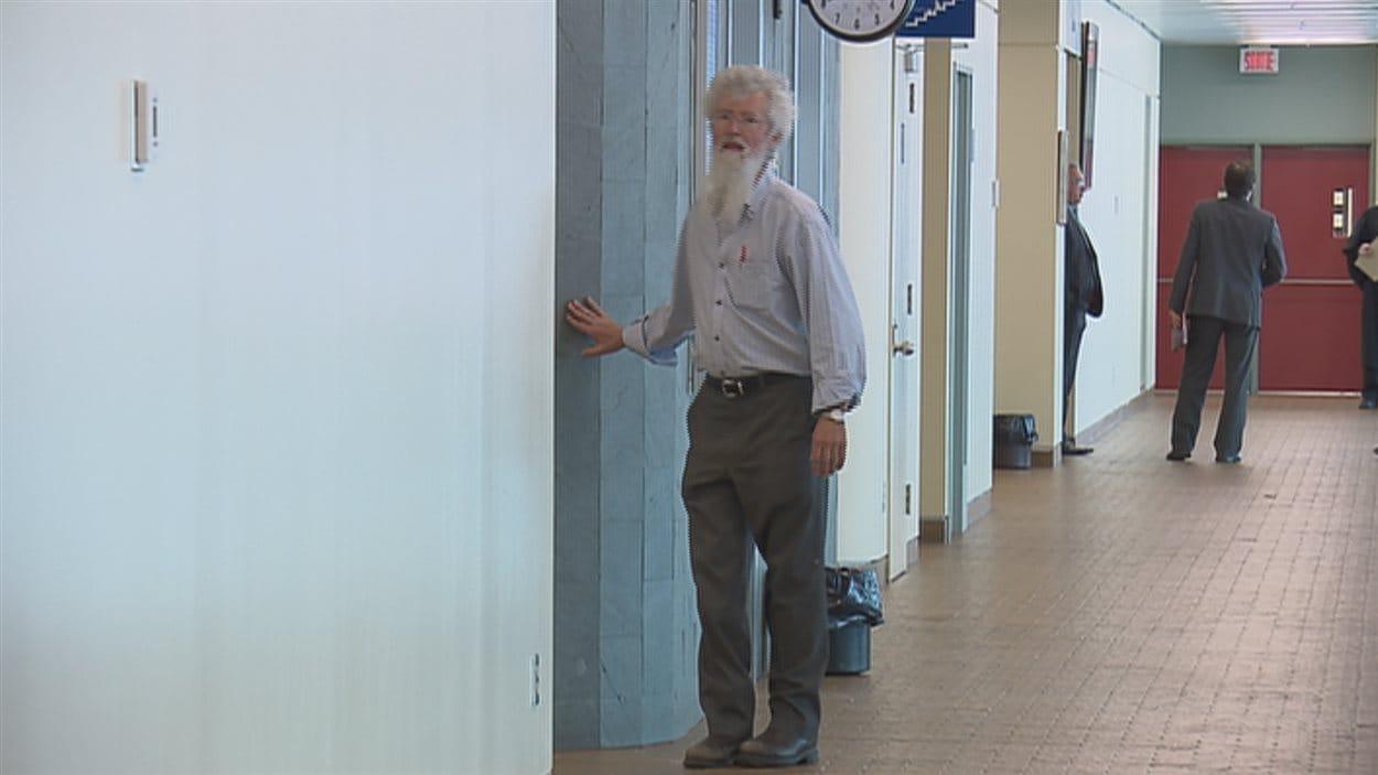 Le psychiatre Pierre Mailloux au palais de justice de Québec.