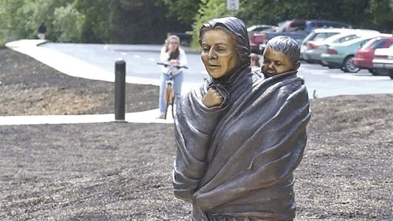 Une statue en bronze de Sacajawea