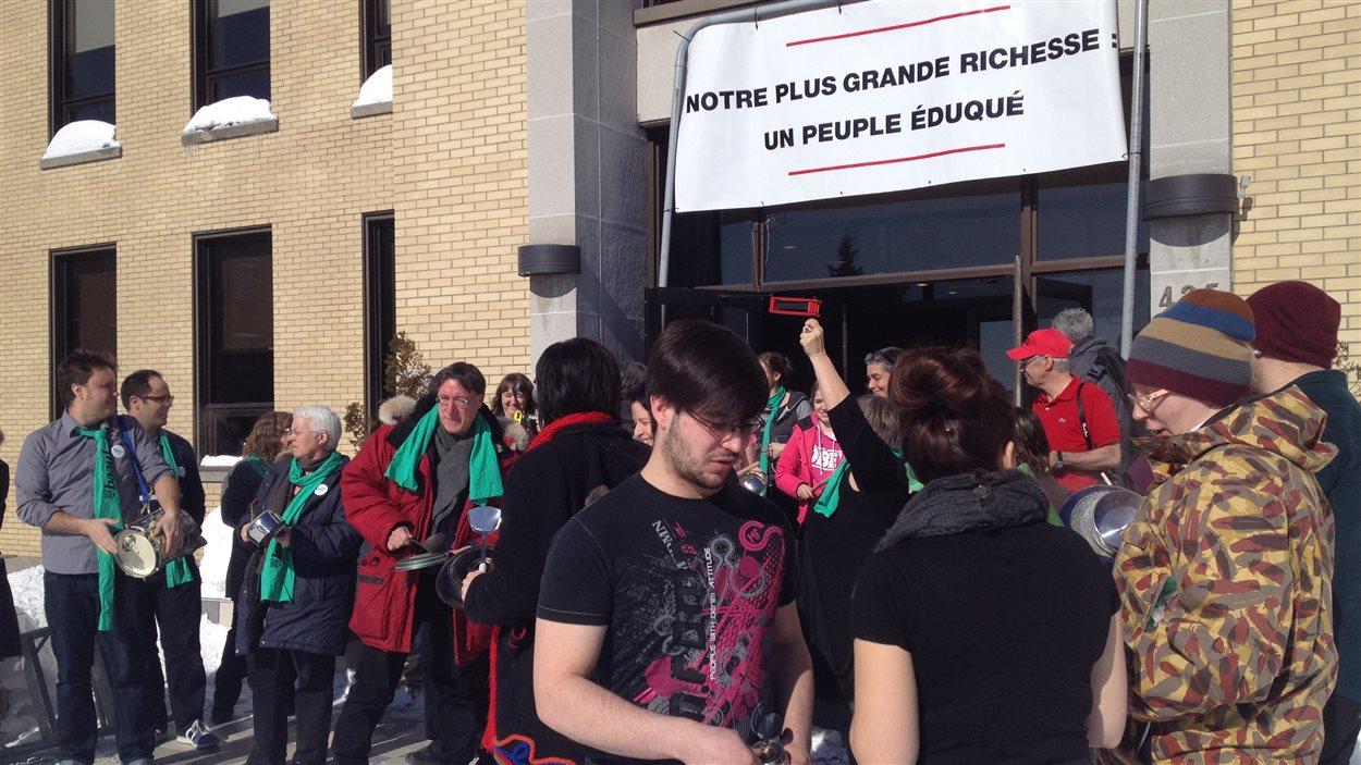 Manifestation en cours au Cégep de l'Abitibi-Témiscamingue à Rouyn-Noranda