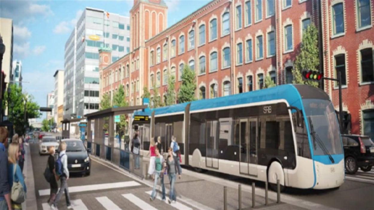 Un autobus articulé du projet de service rapide par bus.