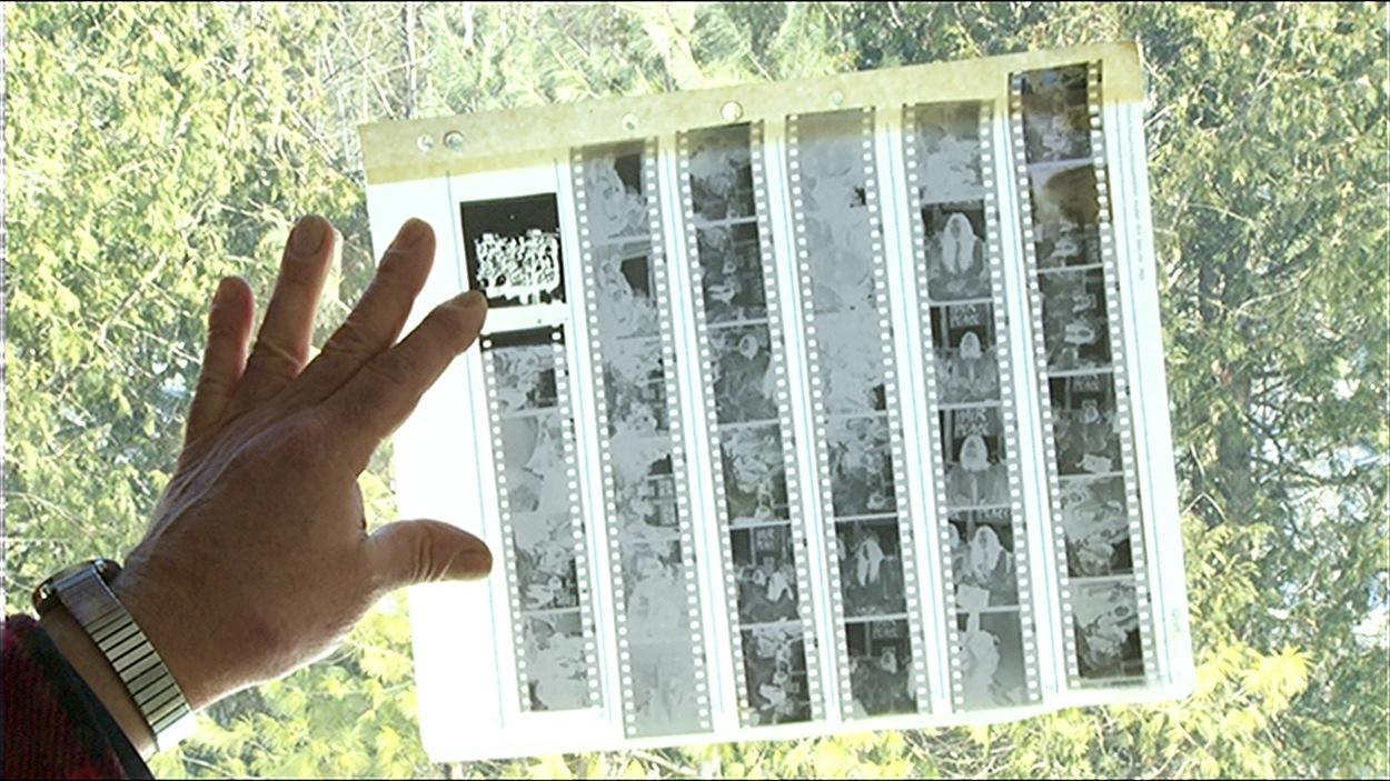 John Urban a découvert un film négatif contenant des photos de John Lennon et Yoko Ono.