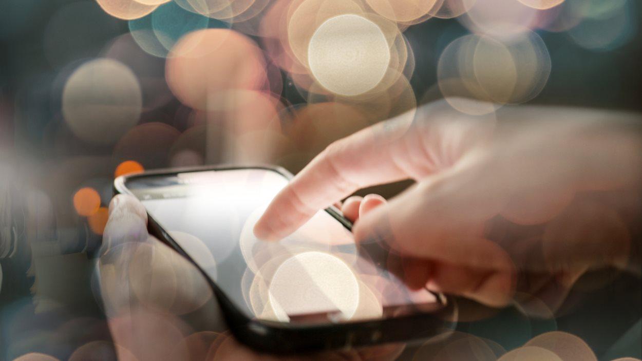 La ville intelligente au bout de ses doigts à l'aide d'applications sur appareil mobile