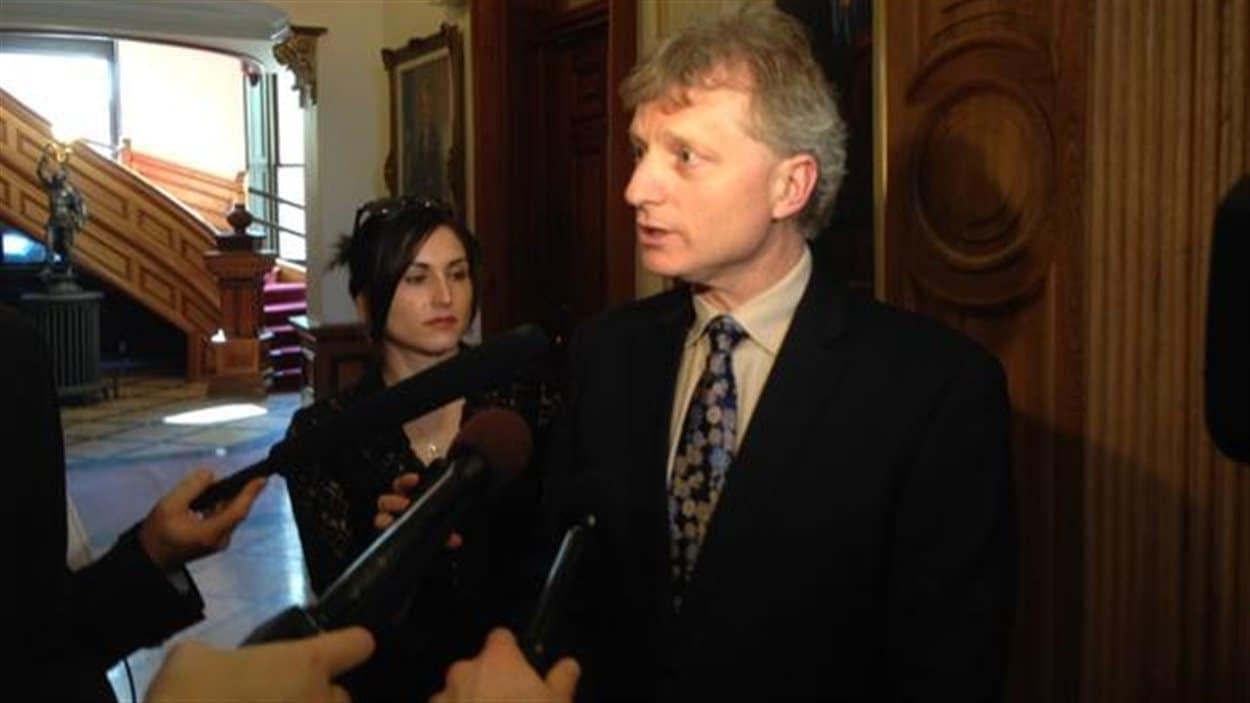 Le ministre des Finances du Nouveau-Brunswick, Roger Melanson.