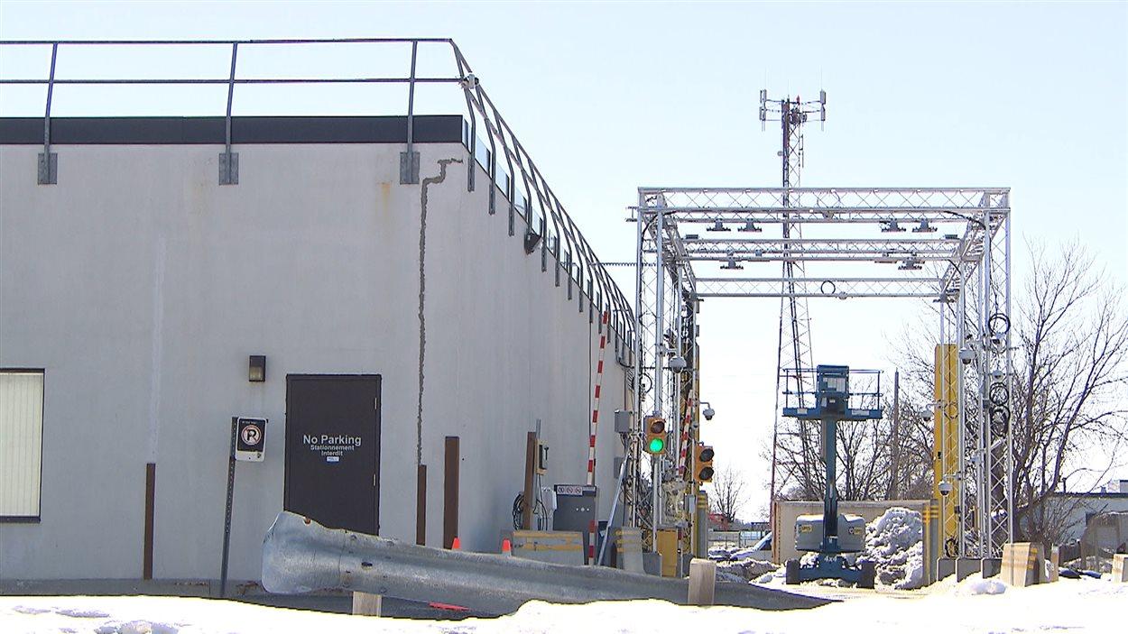 Le laboratoire de l'Agence des services frontaliers est situé dans le sud-ouest de la ville d'Ottawa.