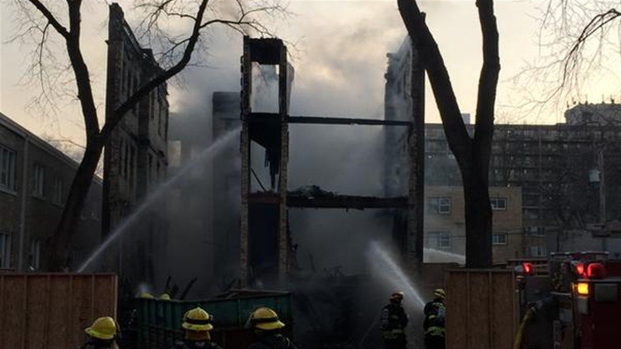 Un peu plus de 40 pompiers ont lutté contre les flammes.
