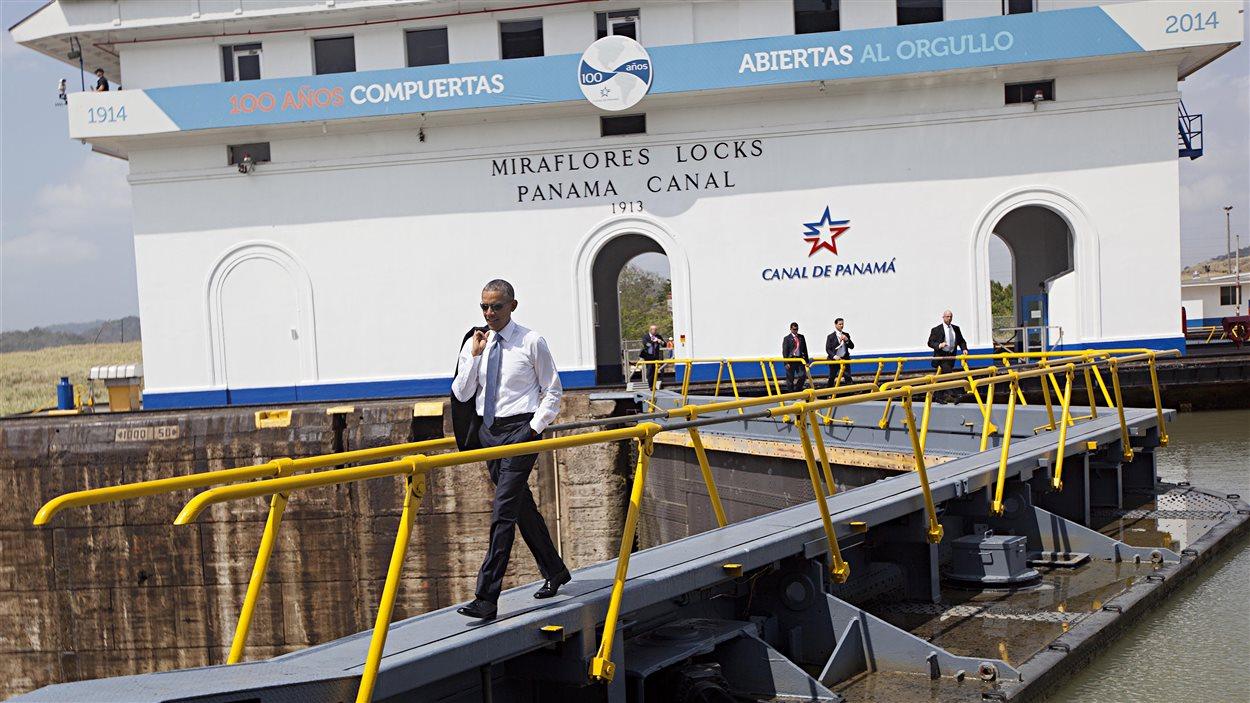 Le président Barack Obama entame une visite de deux jours au Panama à l'occasion du Sommet des Amériques, marqué par la présence de la délégation cubaine.