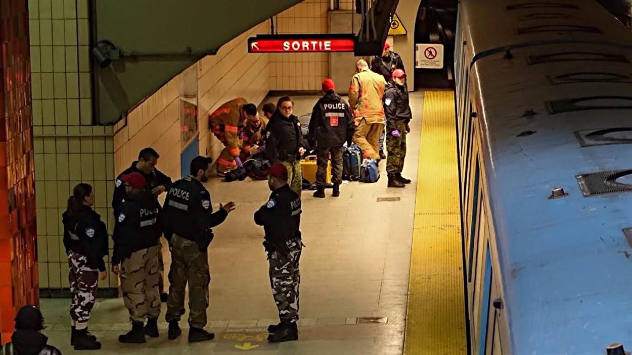 L'homme a été poignardé sur le quai du métro Rosemont