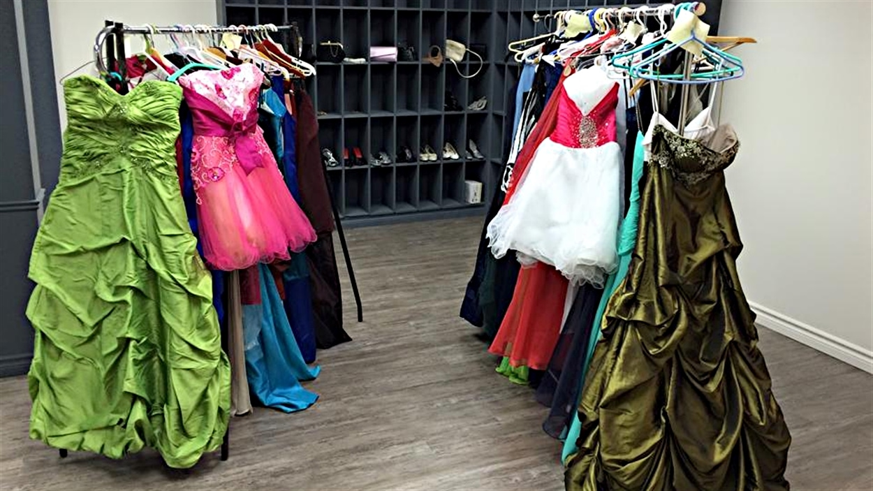 La Fée marraine propose de nombreuses robes de bal pour les finissantes de l'Outaouais.