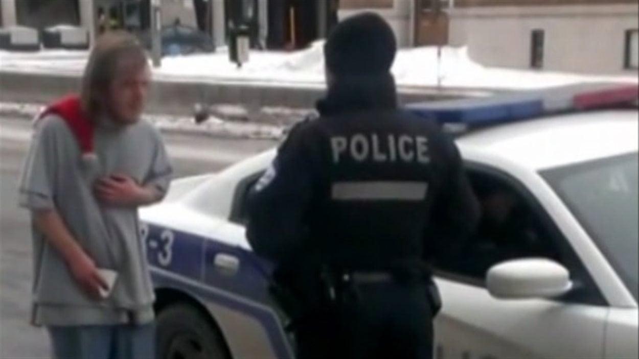 Le policier qui avait menacé d'attacher un itinérant à un poteau ira devant le comité de la déontologie policière en avril.