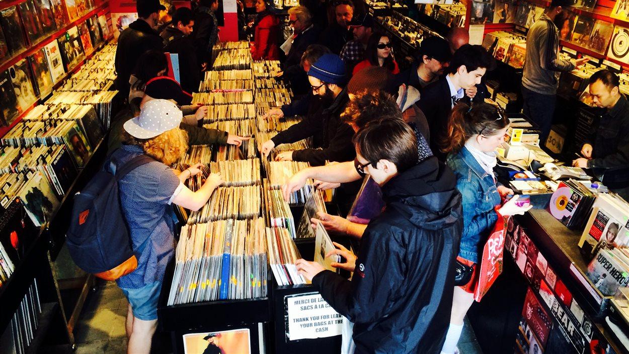 Beatnik durant la journée des disquaires, connu comme le Record Store Day.
