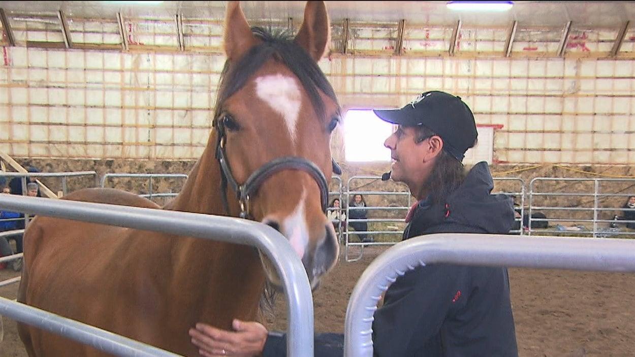 Frédéric Pignon est venu de France pour prodiguer des conseils aux amateurs de sports équestres