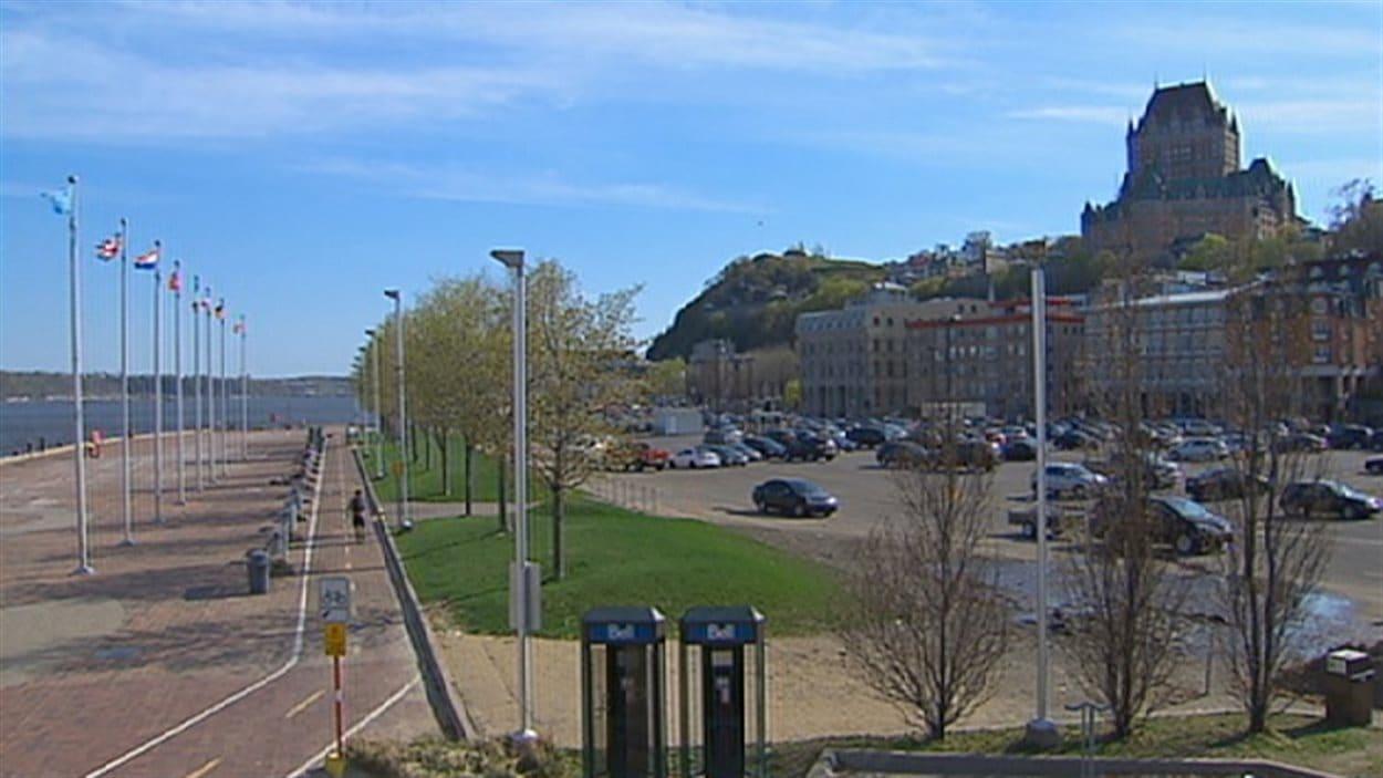 La nouvelle place sera aménagée sur le site de l'actuel stationnement sur la rue Dalhousie dans le Vieux-Port.