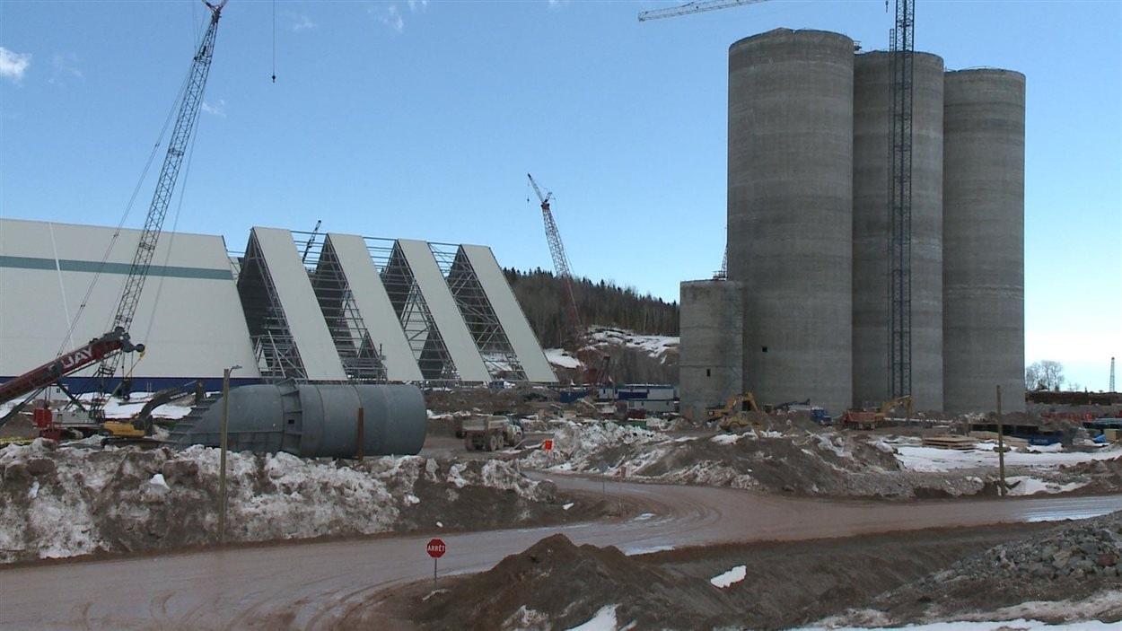 Le chantier de la cimenterie de Port-Daniel