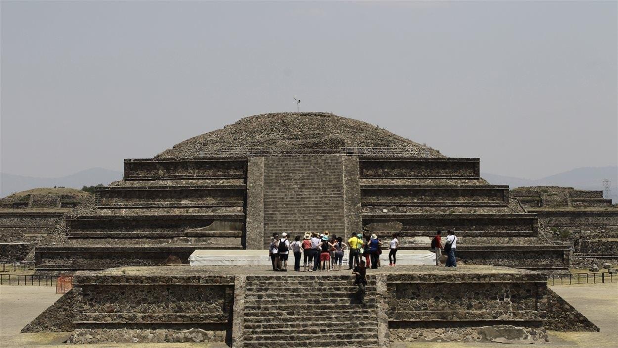 La pyramide de Quetzalcoatl dans la cité précolombienne de Teotihuacan, au Mexique.