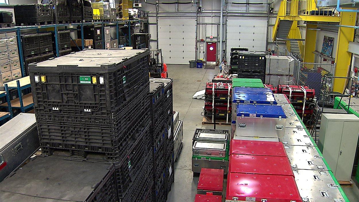 Dans l'entrepôt du RSMUEL de Vancouver tout est prêt pour un déploiement sur le terrain.