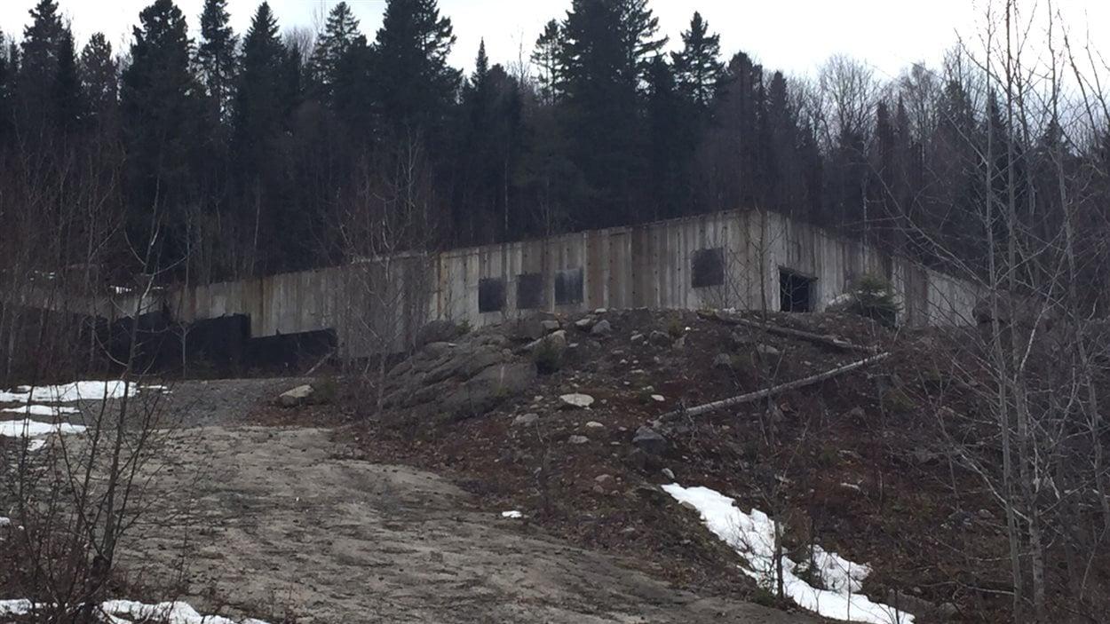La communauté juive Lev Tahor avait commencé la construction d'une synagogue sur un terrain leur appartenant, à Sainte-Agathe.