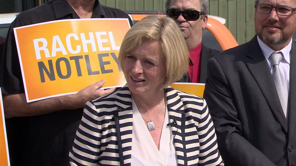 La chef du NPD albertain Rachel Notley faisait campagne à Calgary, mardi, une région où son parti espère faire des gains le 5 mai.