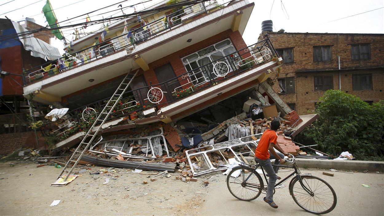 Une maison de Katmandou qui n'a pas résisté au séisme.