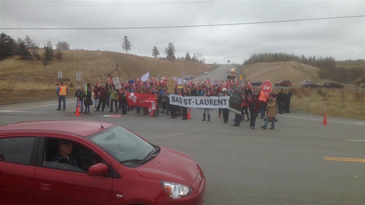 Des participants aux manifestations à l'Île-Verte.