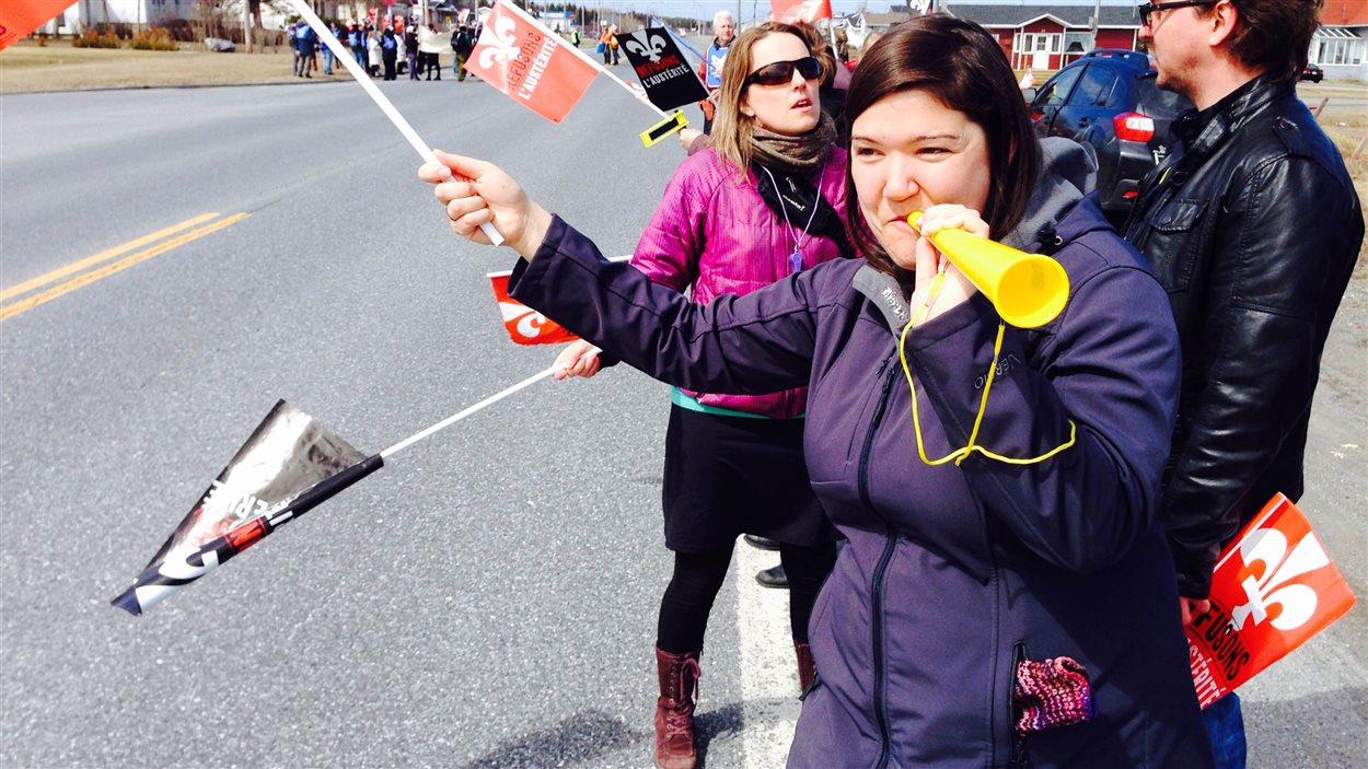 Le jour de la Fête des Travailleurs a aussi été célébré par une manifestation à Sainte-Anne-des-Monts.