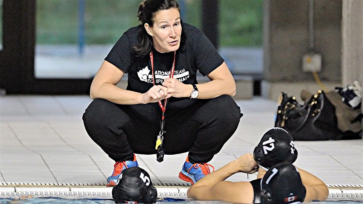 Johanne Bégin, entraîneuse-chef de l'équipe nationale de water-polo