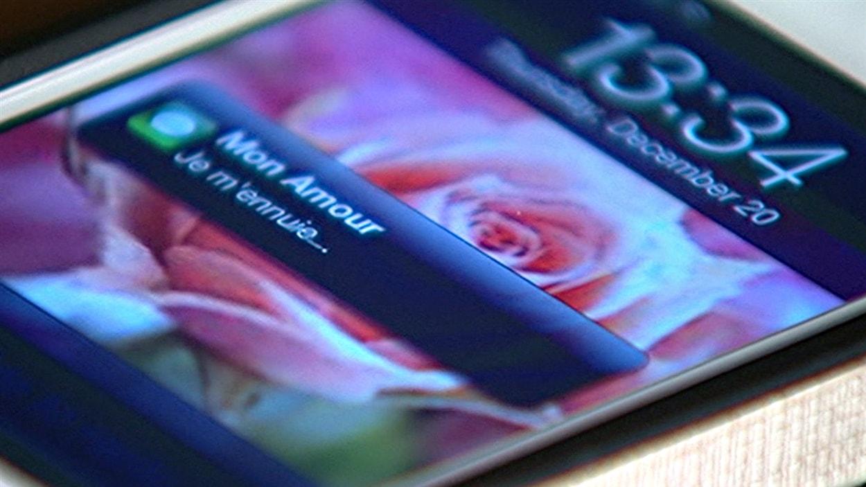 Un SMS envoyé sur un téléphone cellulaire.